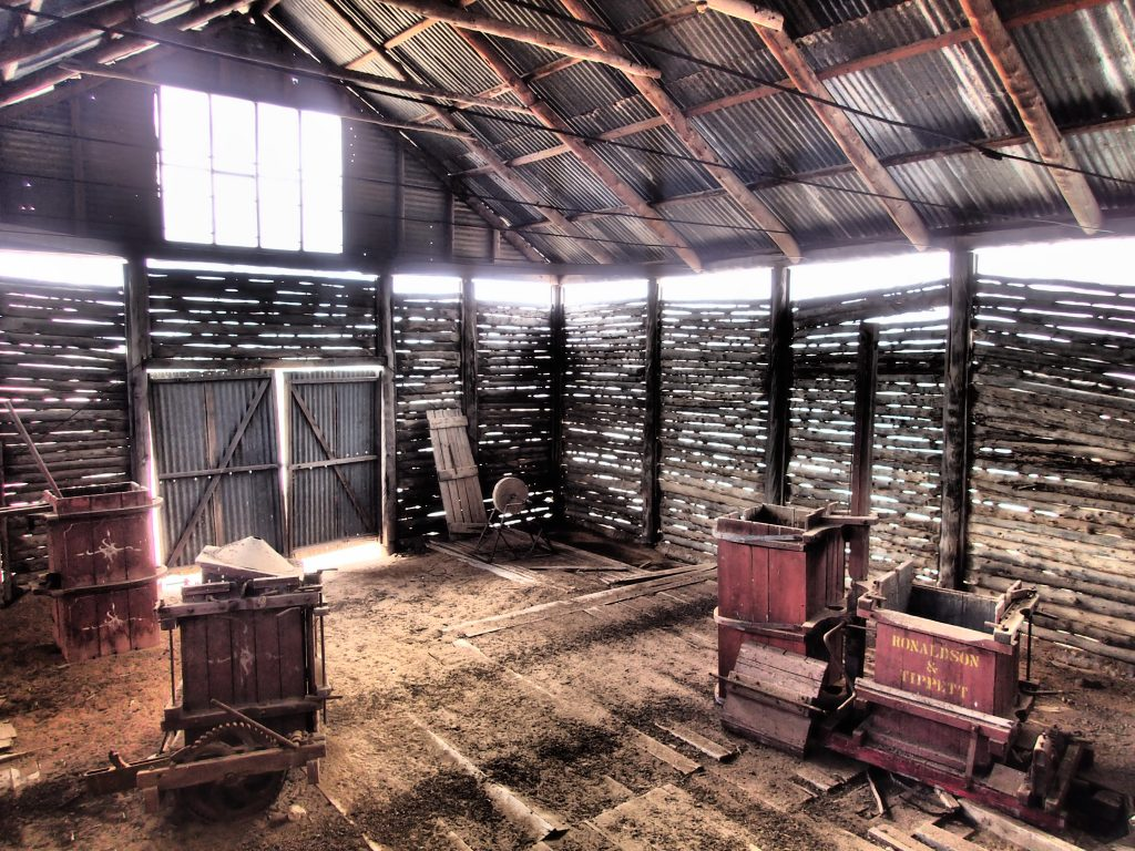 Historical wooldshed in Mungo NP